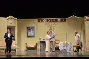"""Sabato sera, al Teatro delle Saline di Cagliari, la Compagnia Teatro Sassari presenta """"Quando il marito va a caccia""""."""