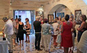 """E' in corso dallo scorso 22 giugno, a Carloforte, """"Arte al Girotonno"""",mostra di arte contemporanea informale materica, di Gianni Lardieri."""