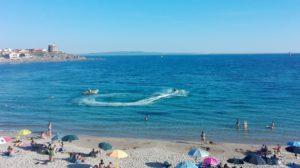 Sequestri e multe per 5.000 euro, a Portopaglietto, per natanti che sfrecciavano ad alta velocità tra i bagnanti.