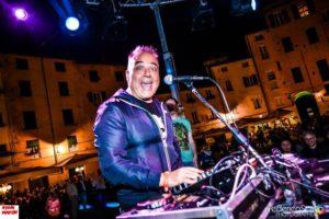 """Venerdì 21 luglio, ad Alghero, gli """"antichi"""" balleranno con Steve Martin."""