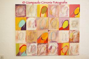 """Questa sera, all'""""Italy Snack&Wine Bar"""" di Viale Arsia, a Carbonia, la pittrice Daniela Matta presenta la sua personale """"Soar#Collage""""."""