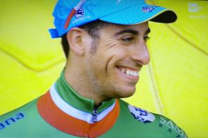 Un Fabio Aru generosissimo ma ancora in sofferenza sull'Izoard non è riuscito a tornare sul podio del Tour de France.