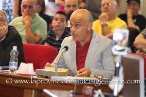 Massimo Melis: «A Sant'Antioco, dopo due mesi dalla vittoria elettorale, abbiamo un sindaco pagato ancora anche da consigliere regionale.»