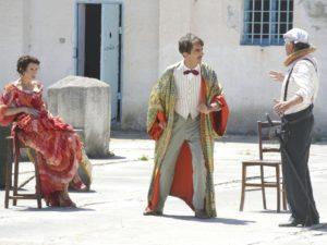 """Il film """"La stoffa dei sogni"""" e lo spettacolo """"Anima e coru"""" di Is Mascareddas lunedì 3  al festival Street Books di Dolianova."""