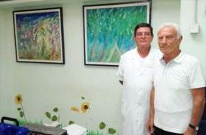 Nove quadri donati da Giuseppe e Andrea Bellino regalano colore al reparto di Radioterapia dell'Aou di Sassari.