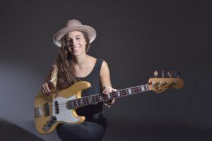 Domani a Nughedu Santa Vittoria, per il 19° Festival Dromos, concerto della bassista polacca Kinga Glyk.