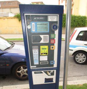 Nei parcometri di Carbonia ora si può pagare anche con bancomat e smartphone.