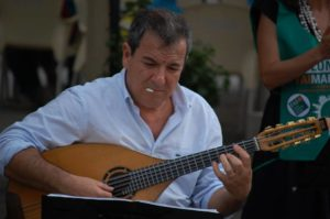Mauro Palmas con il suo quartetto terrà un concerto sabato a Iglesias e domenica 15 settembre sulla spiaggia di Cala Antoni Areddu, a Teulada.