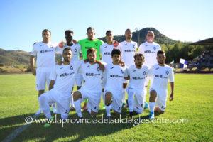 Il Carbonia ha vinto il primo derby di Coppa Italia con il Carloforte, 3 a 2. Domenica prossima il match di ritorno a Carloforte.