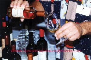 """12 vini sardi hanno ricevuto il prestigioso riconoscimento dei """"Tre Bicchieri"""" della Guida del """"Gambero Rosso 2018""""."""