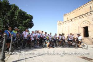 I sindaci dei Comuni del Sulcis hanno manifestato in bicicletta per denunciare lo stato di gravissimo dissesto delle strade del territorio.