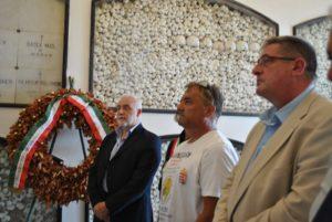 Concluso sull'Asinara il viaggio dell'ambasciatore della pace in bicicletta.