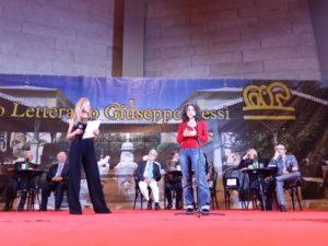 """Carmen Pellegrino (Narrativa) e Maria Grazia Calandrone (Poesia) hanno vinto il XXXII premio """"Giuseppe Dessì""""."""