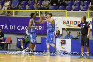 Pesante sconfitta per la Dinamo Banco di Sardegna sul campo della Vanoli Cremona: 96 a 81 (primo tempo 44 a 40).