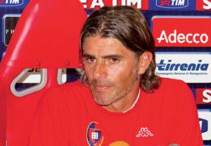 Il Cagliari ha scelto Diego Lopez per guidare la squadra fino al 30 giugno 2019, dopo l'esonero di Massimo Rastelli.