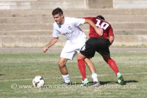 Uno sfortunato autogoal di Claudio Cogotti ha deciso la gara di andata dei quarti di finale di Coppa Italia tra Macomerese e Carbonia. Il 29 il match di ritorno a Carbonia.
