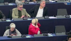 Il Parlamento europeo ha approvato oggi in via definitiva una vigilanza europea più rigorosa sull'omologazione delle auto per garantire che le norme siano applicate in modo uniforme nell'UE.
