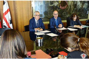 """Il presidente Pigliaru e l'assessore Dessena hanno presentato tutte le novità del terzo bando """"Tutti a Iscol@""""."""