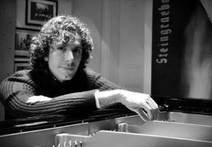 """Oggi, al Conservatorio di Cagliari, proseguono gli appuntamenti con """"Le 32 Sonate per pianforte"""" di Ludwig van Beetvhoven."""