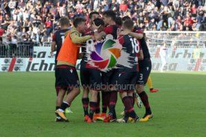 Dalla grande paura alla grande gioia per una vittoria che vale oro in chiave salvezza per il Cagliari con il Verona.
