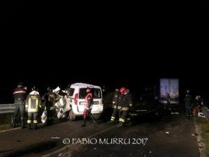 Una persona è morta questo pomeriggio, in un incidente stradale verificatosi intorno alle 18.00 sulla strada provinciale n° 2, nei pressi di Barbusi.