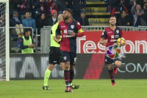 Anticipo di Natale questa sera per il Cagliari, alla Sardegna Arena, alle 20.45, contro la Fiorentina.