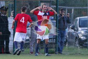 Il Carbonia ha espugnato il Comunale Nuovo Puggioni di Carloforte con un netto 2 a 0 (goal di Momo Cosa e Marco Foddi).
