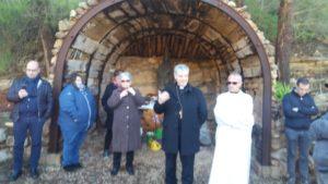 Il vescovo della diocesi di Ozieri, monsignor Corrado Melis, oggi ha visitato i minatori in lotta a Olmedo.