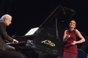 """Venerdì 22 dicembre al Piccolo Auditorium di Cagliari, La Fabbrica Illuminata & Puntila, """"Giro a vuoto"""", Due canzoni per Laura Betti."""
