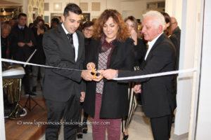 E' stata inaugurata sabato sera, nella nuova sala espositiva dello Show Room Ellegi Crea, in via Roma, a Carbonia, la mostra del pittore autodidatta carboniense Gianni Lardieri.