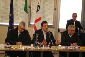 Roberto Puddu (CGIL): «La visita del ministro Carlo Calenda insieme al presidente della Regione Francesco Pigliaru, è certamente il segno più importante delle Vertenze industriali dell'intero 2017».