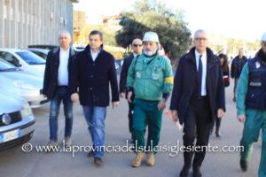 Ieri mattina il ministro dello Sviluppo economico, Carlo Calenda, e il governatore Francesco Pigliaru, hanno incontrato direzione e lavoratori Eurallumina.