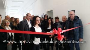 """Sono stati inaugurati questa mattina, all'Istituto """"C. Beccaria"""", a Carbonia, i laboratori didattici realizzati con il finanziamento del""""Piano Sulcis""""."""