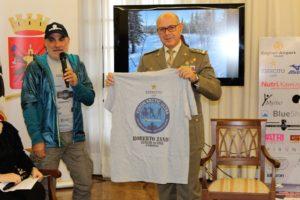 """Ieri mattina, presso il Comando Militare Esercito Sardegna, l'ultramaratoneta Roberto Zanda ha presentato la sua prossima impresa, la """"YUKON ARCTIC ULTRA 2018""""."""