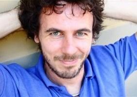 Francesco Trento torna ad Alghero per il corso di scrittura e sceneggiatura.