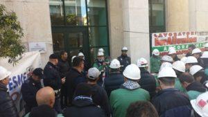 Nuova giornata di mobilitazione dei lavoratori Eurallumina a sostegno della vertenza per la ripresa produttiva dello stabilimento di Portovesme.