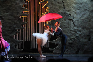 """Sabato sera """"Lo schiaccianoci"""" ha catturato il pubblico del Teatro Centrale in una magica atmosfera."""