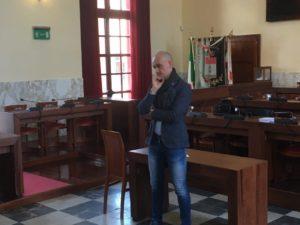Si è svolto ieri pomeriggio, nella sala polifunzionale di piazza Roma, il primo incontro pubblico sull'istituzione del Centro Commerciale Naturale nella città di Carbonia.