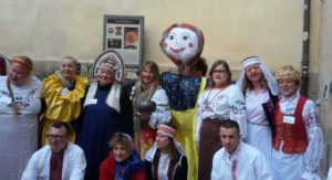 """Grande successo per la prima edizione cagliaritana della Maslenitsa il """"Carnevale Slavo"""" della comunità immigrata dai paesi post-sovietici."""
