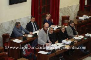 Il consigliere comunale Federico Fantinel ha presentato un'interrogazione sul tema dei miasmi presenti a Carbonia.