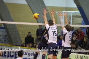 Una VBA/Olimpia caricatissima da tre vittorie consecutive, alle 15.00 ospita al PalaGiacomoCabras la Fenice Pallavolo Roma.