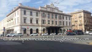 Il capolinea della metropolitana Arst di Cagliari che collegherà piazza Repubblica con piazza Matteotti sarà costruito all'interno della stazione ferroviaria RFI.
