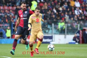 Un buon Cagliari è uscito battuto dallo stadio Marassi di Genova per un gran goal realizzato dal portoghese Medeiros all'89'.