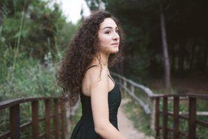 La talentuosa pianista di origine armena Diana Gabrielyan sarà ospite domani a Le Salon de Musique.