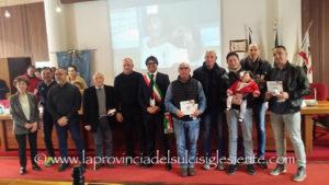 L'Amministrazione comunale di Sant'Antioco ha premiato stamane alcuni dei protagonisti della storica promozione dell'Olimpia in A2 1989/90.