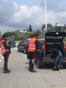 I carabinieri di Carbonia e Cortoghiana hanno hanno deferito in stato di libertà due donne e due uomini per furti compiuti in esercizi commerciali.