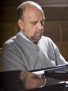 """Il pianista Pierluigi Camicia chiude domenica, al Teatro Electra di Iglesias, """"I concerti di Primavera""""."""
