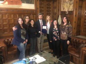 Una delegazione del Comitato Idonei Assistenti Giudiziari ha conferito un riconoscimento al ministro della Giustizia Andrea Orlando.