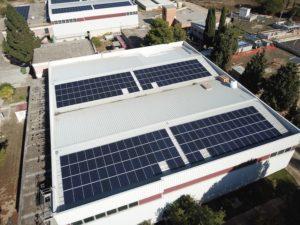 Abbanoa sta completando il piano di efficientamento di potabilizzatori e depuratori dal punto di vista energetico per ridurre l'approvvigionamento elettrico dalla rete nazionale.