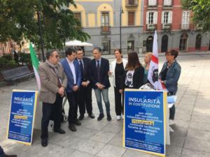 """Roberto Frongia ha presentato stamane la nuova iniziativa """"100 tavolini per l'insularità""""."""